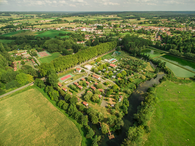 Camping_La_Dordogne_Vert__Saint-Aulaye©