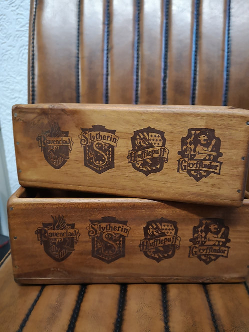 House Crest Side Handle - Box Size 2