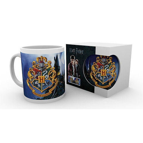 Hogwarts Crest Mug - Photo Background