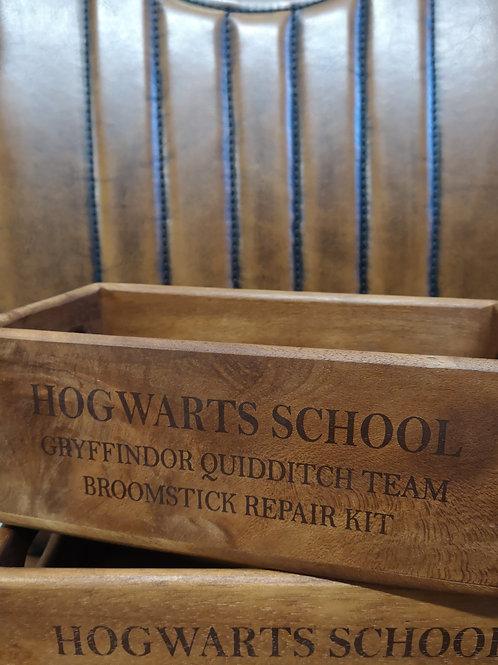 School Quidditch Side Handle - Box Size 1