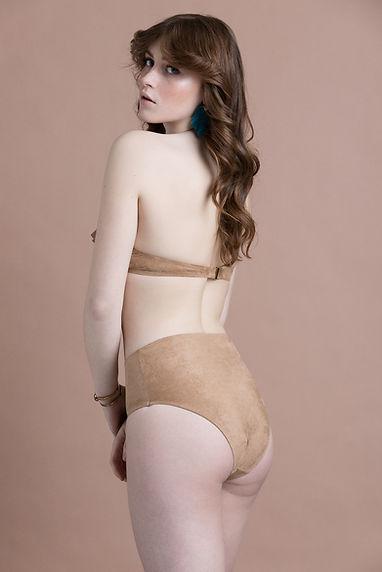 mirabilia lingerie, lingerie fine, made in france, lingerie créateur, bandeau, culotte taille haute, suédine, confortable, lingerie
