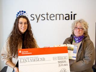 Spendenübergabe bei Systemair Deutschland GmbH