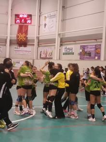 Victoria 25-20 de El Pendo Camargo ante el Dominicos en el último partido del año del Juan  Herrera