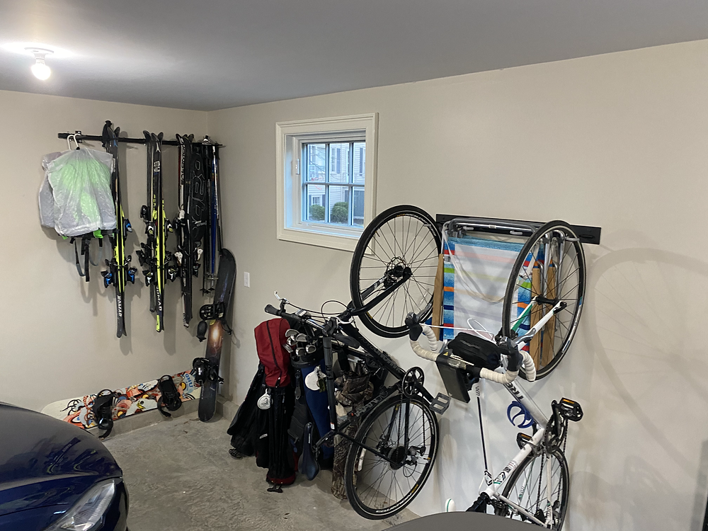 Finally cleaned up and organized my garage thanks to asking for help from my friend!