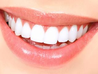 איך הלחץ מזיק לשיניים? 7 סימני אזהרה