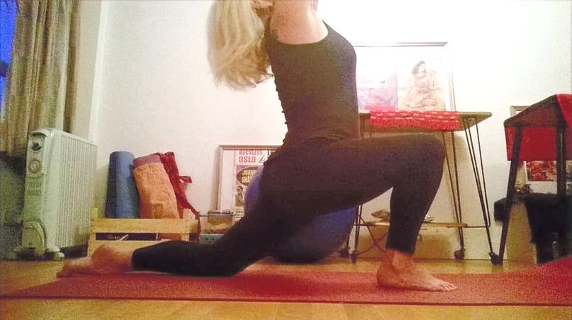 yoga at home claudia steinhauser in lunge pose