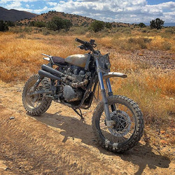 High desert hills and golden grasses #triumphscrambler #scrambler #triumph #enduromundo