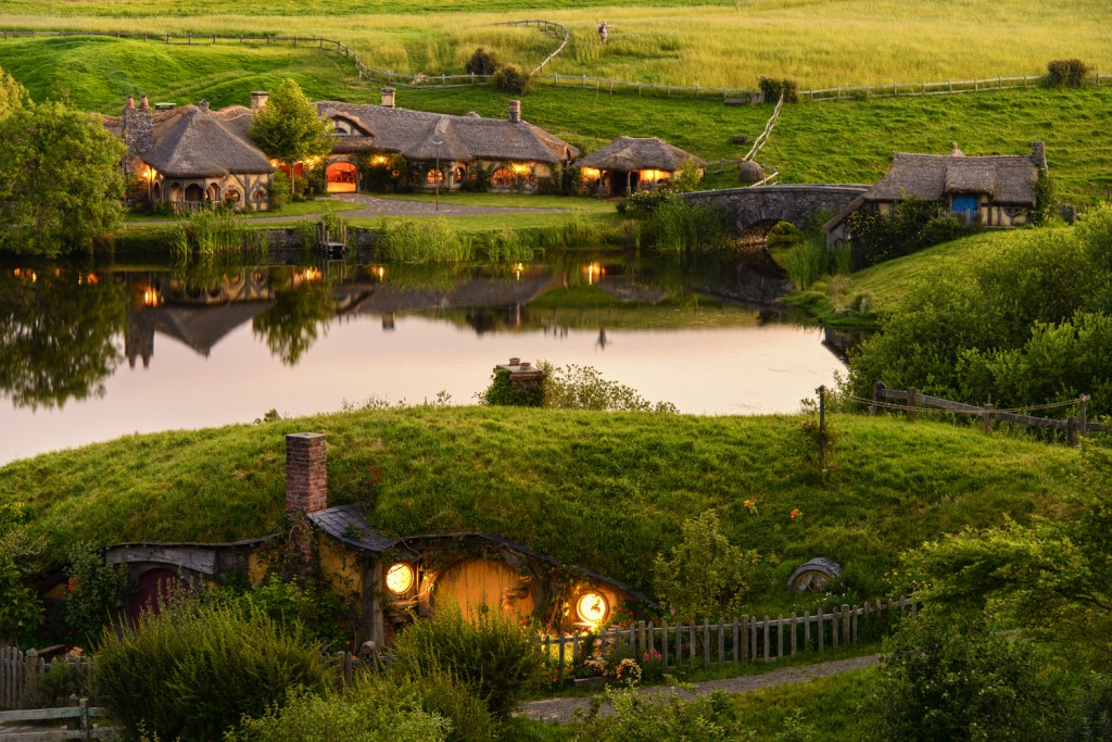 Hobbiton-Movie-Set-1024x683