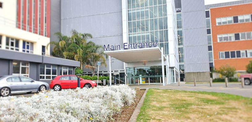 Taranaki Base Hospital Entrance.jpg