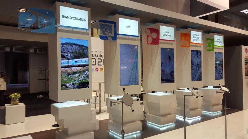Booths-Di&P.jfif.jpg