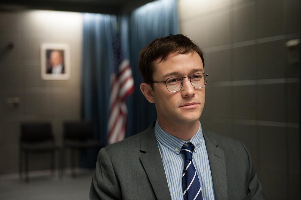 Snowden film reviews