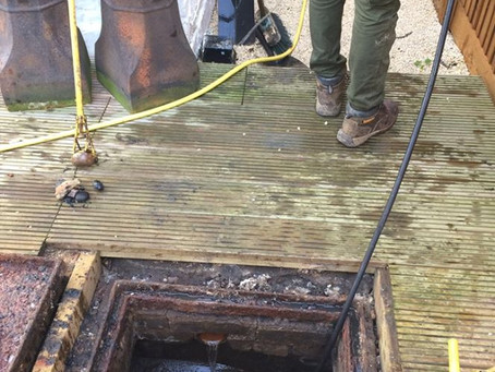 Who to call during a drainage emergency in London