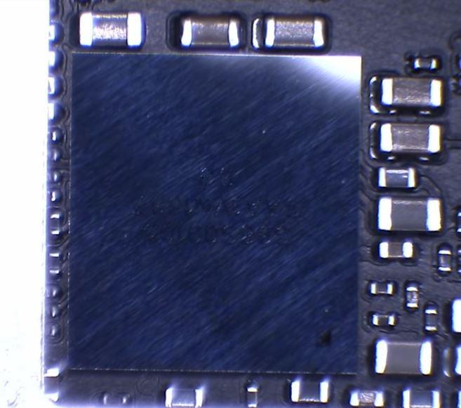 Circuito integrado de áudio de um iPhone