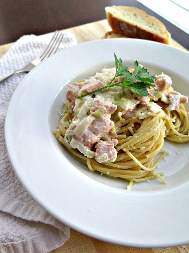 Pasta with Leek Sauce and Salmon