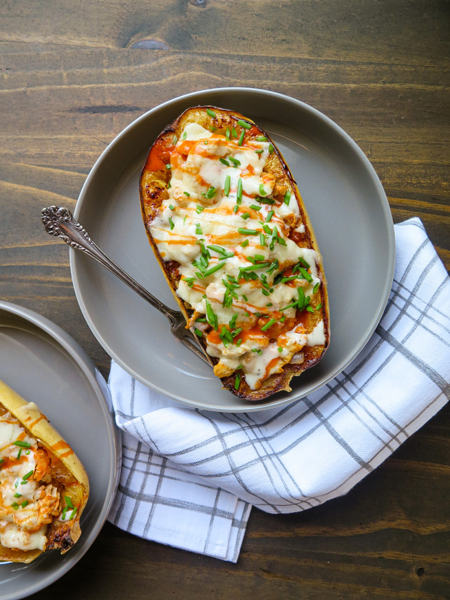 Cheesy Buffalo Chicken Spaghetti Squash