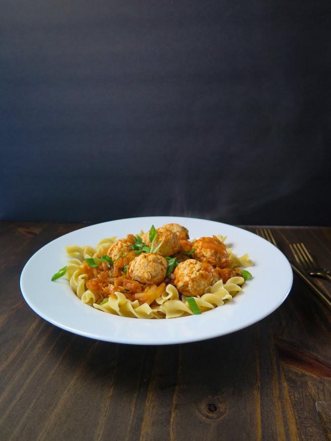 Chicken Meatballs in Zucchini Tomato Sauce