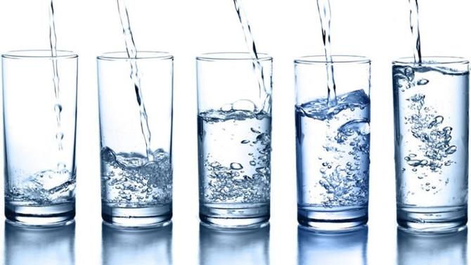 Tomar água emagrece e é essencial a vida!