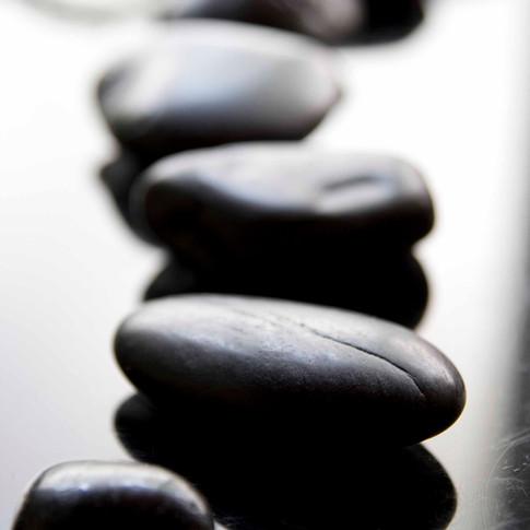 Heilsteine auch als Hot-Stone bekannt für wundervolle entspannende Massagen