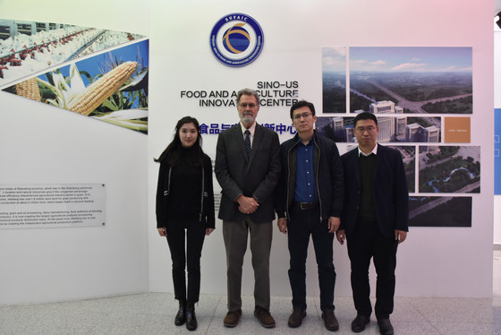 Prof. Bradford of the University of California, Davis, Visited Sino-US Food and Agriculture Innovati