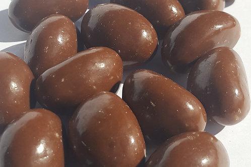 MILK CHOCOLATE STRAWBERRIES & CREAM