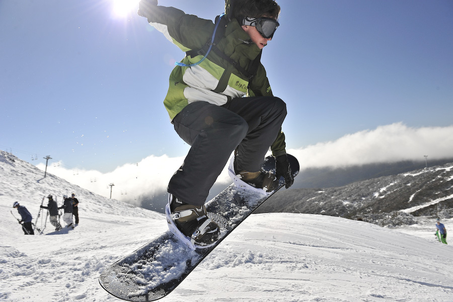 Snowboarder on Mt Buller Summit1.jpg