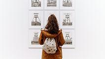 patrząc na sztuki
