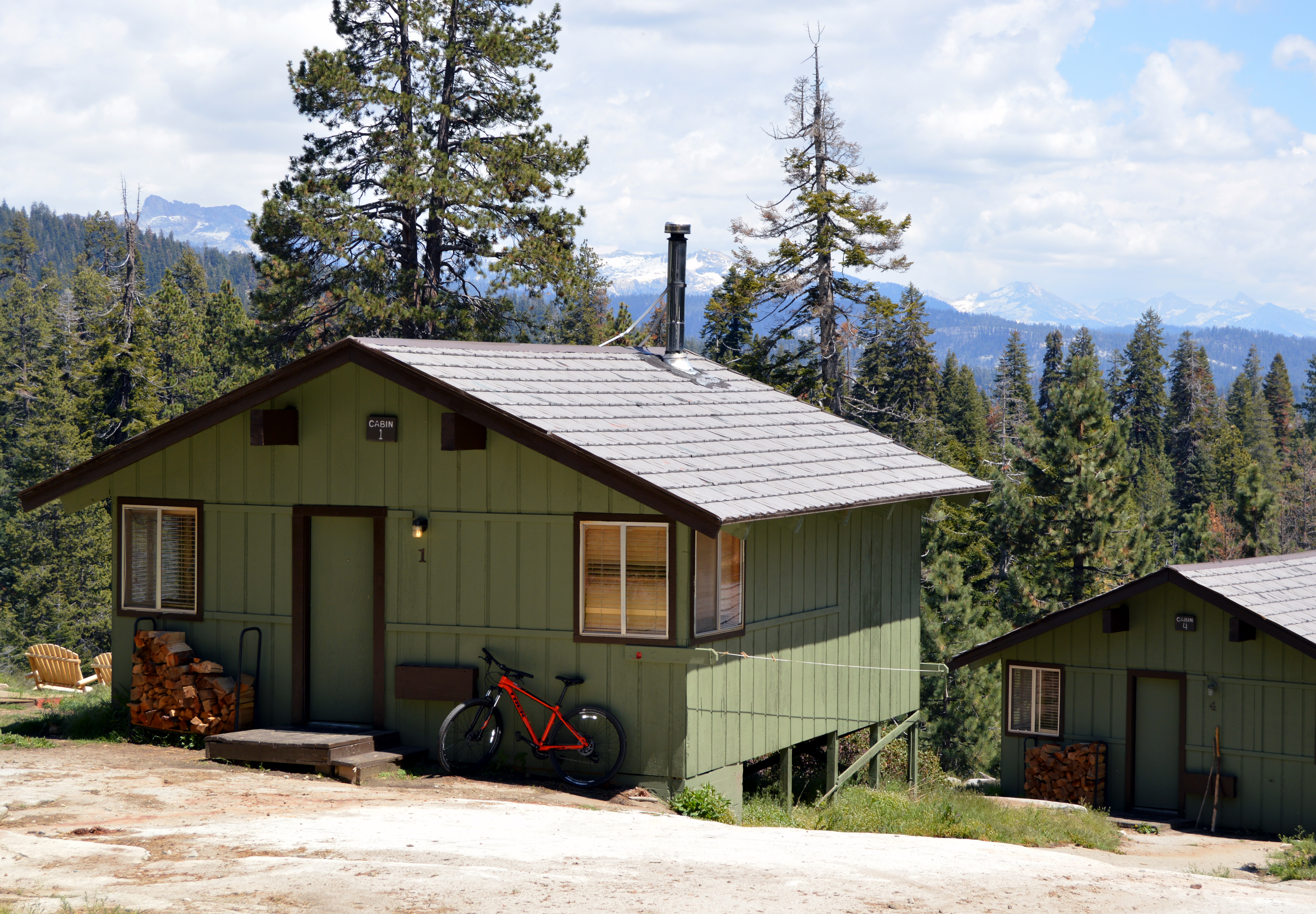 Mountain View Cabin w/Bathhouse