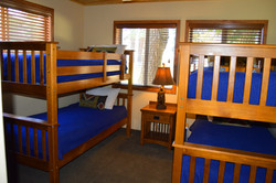 Lakeview Suite Bunkroom