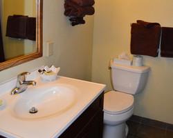 Sequoia Suite Bathroom