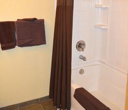 Sequoia Suite Shower