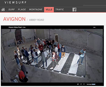 Cross the Scan - Abbey road à Avignon, vu par la webcam de Viewsurf