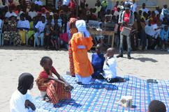 Prestation des petits princes : la maman de Soundiata désespérée par le handicap de son fils subit les moqueries des autres femmes.