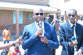 Discours du ministre de l'éducation nationale sur l'inclusion scolaire, thème de la semaine de l'éducation de base.