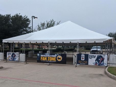 BWW Copperfield Hosts Outdoor Fan Zone TailGate Party to Kickoff Texans' First Game of the Season
