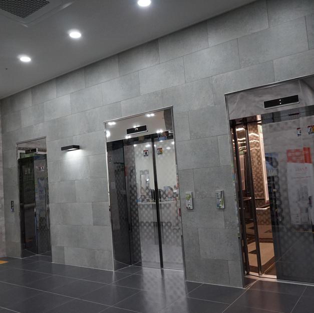 3개의 엘레베이터
