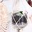 Thumbnail: Blumenampel aus Ginflasche