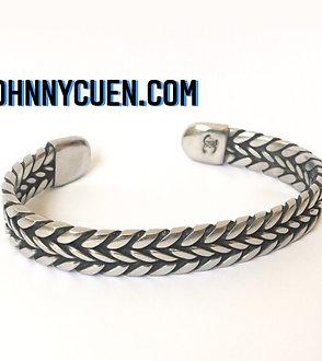 The Twist Welder Bracelet