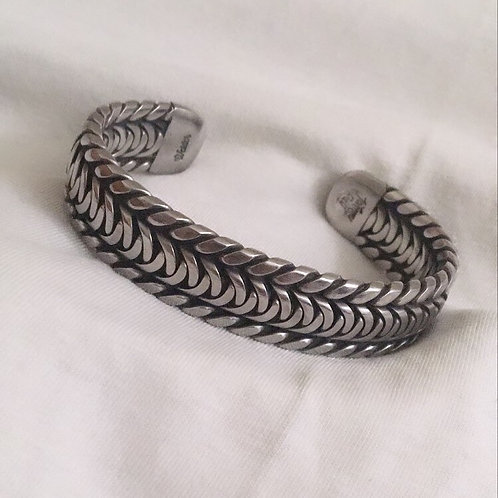 Walk the Cup Twist Welder Bracelet