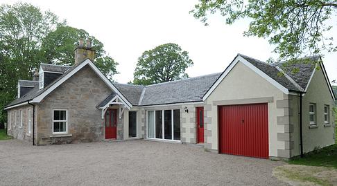Red Door Lodge.png