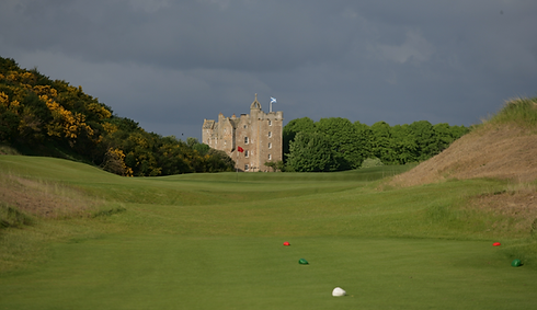 Vies 4th tee Castle.png