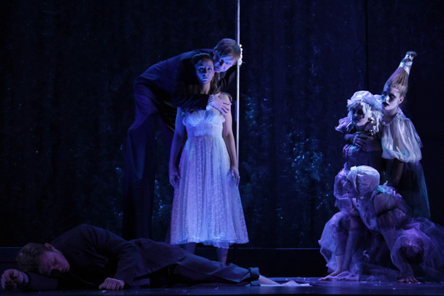Eurydice Clemson University 2015 Directed by Shannon Robert Scenery by Shannon Robert Costumes by Kendra Johnson Photos by Wylder Cooper