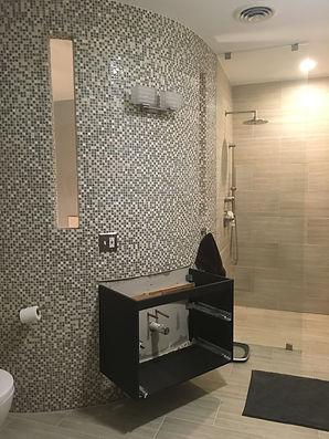 Bathroom - Curved Wall.JPG