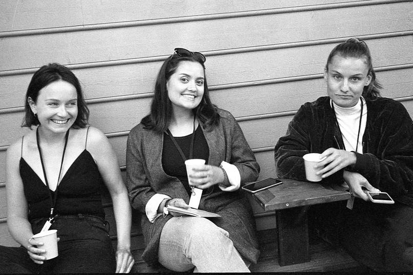 Frivilligteam! <3  Benedicte Sundsbø, Veronika Flotve Røssland & Anne Wiig  Foto: Vera Lunde