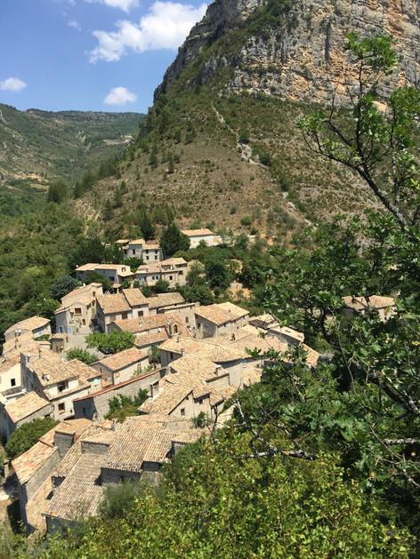 le village de Saint May