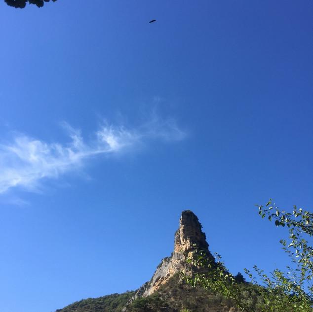 le Rocher du Mont Angèle près de Saint May