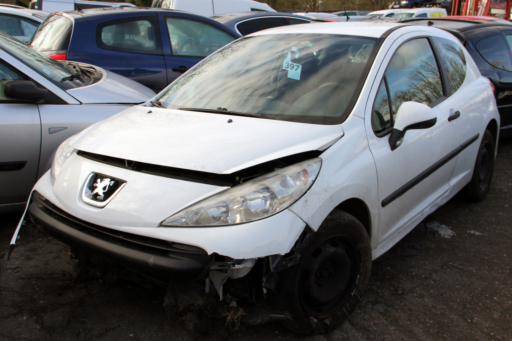 Peugeot 207 1.4 hdi 70 accidentée