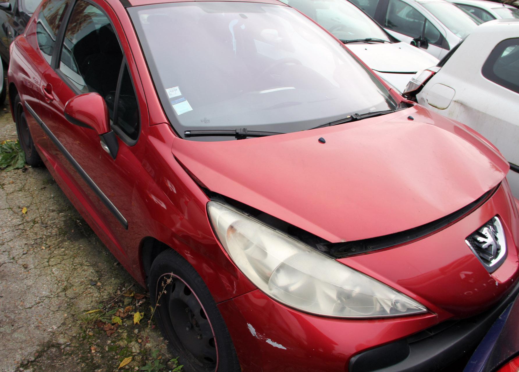 Peugeot 207 - 90 sport accidentée