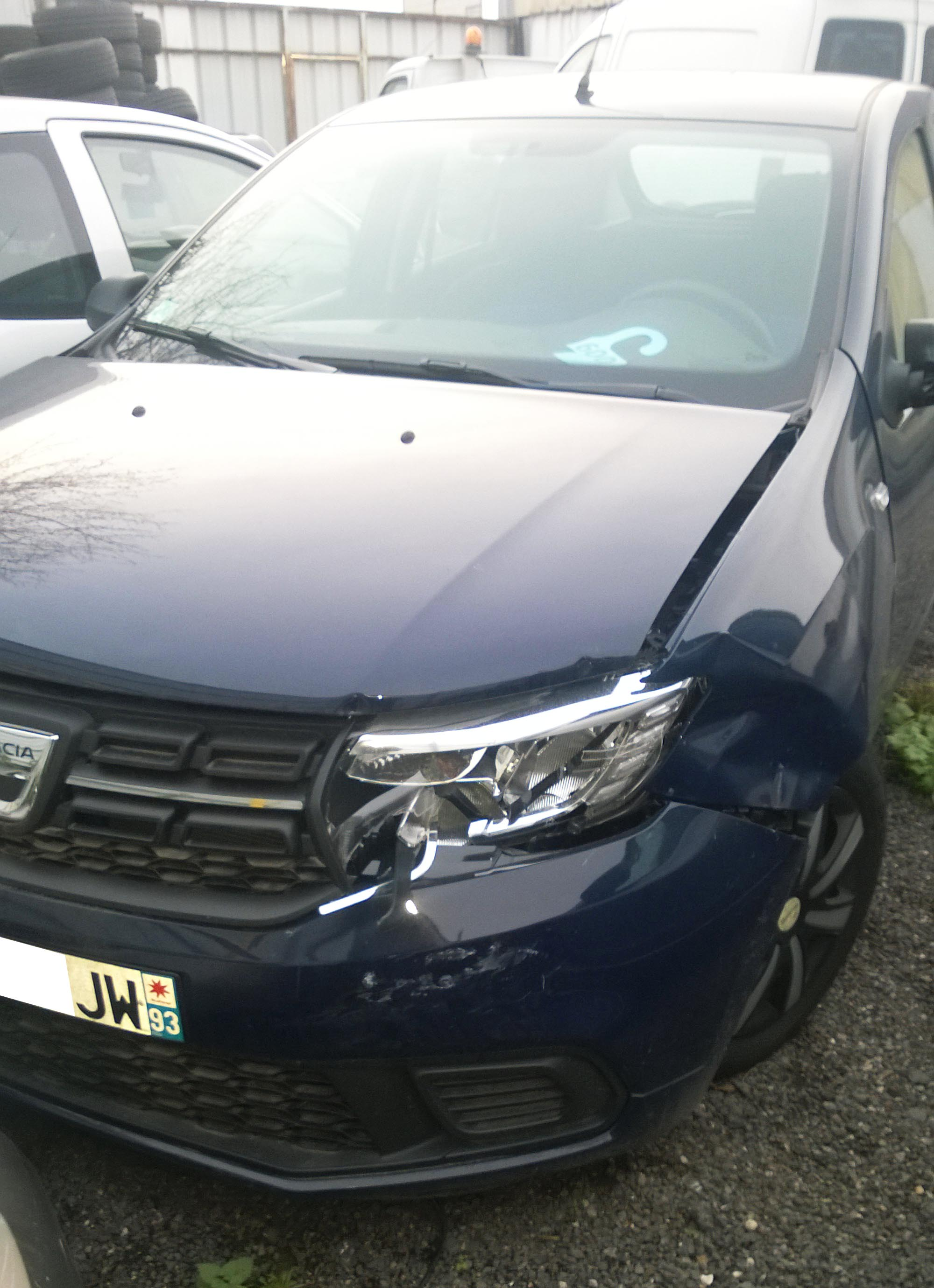 Dacia Sandero accidentée
