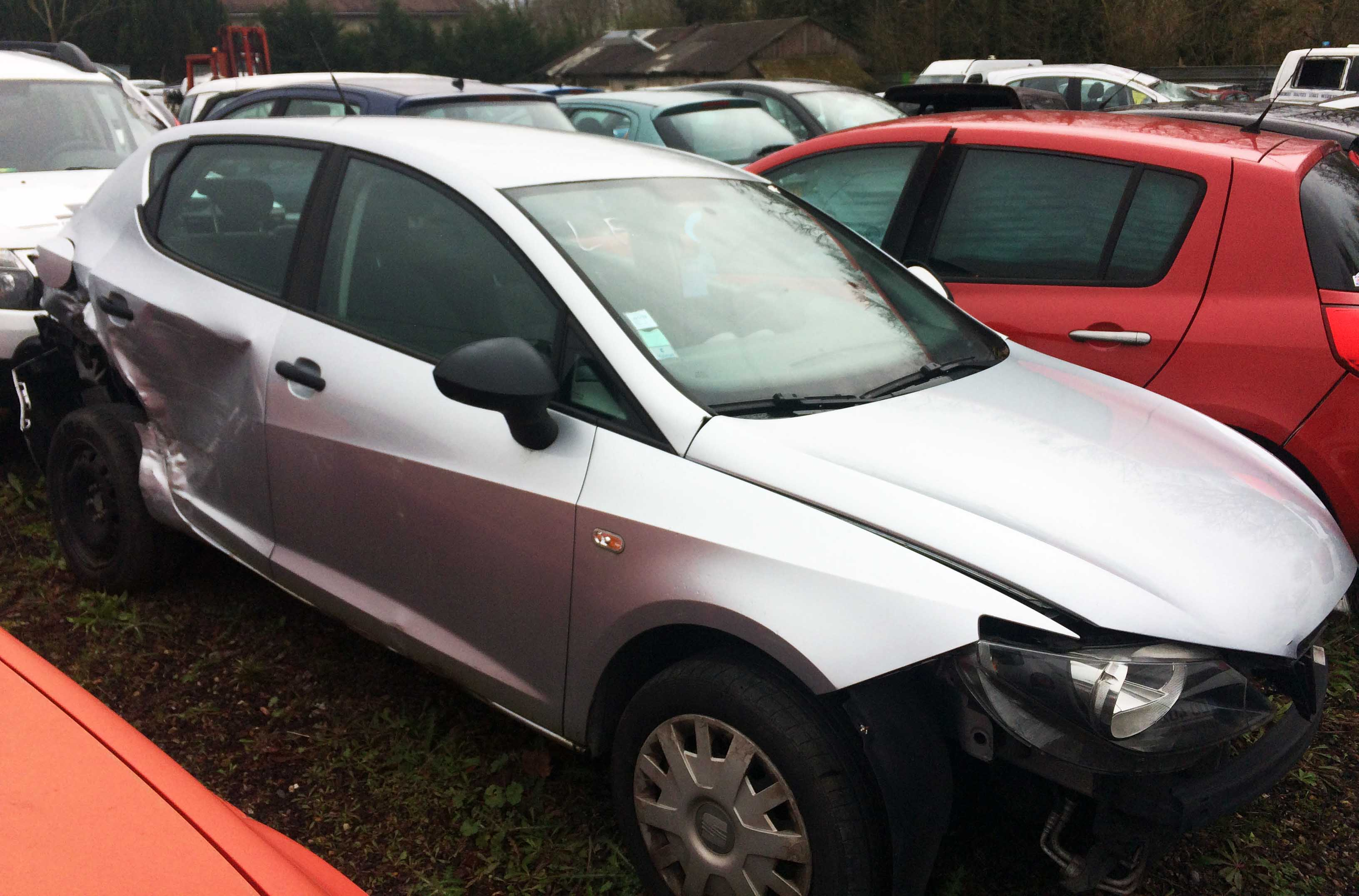 SEAT IBIZA accidentée