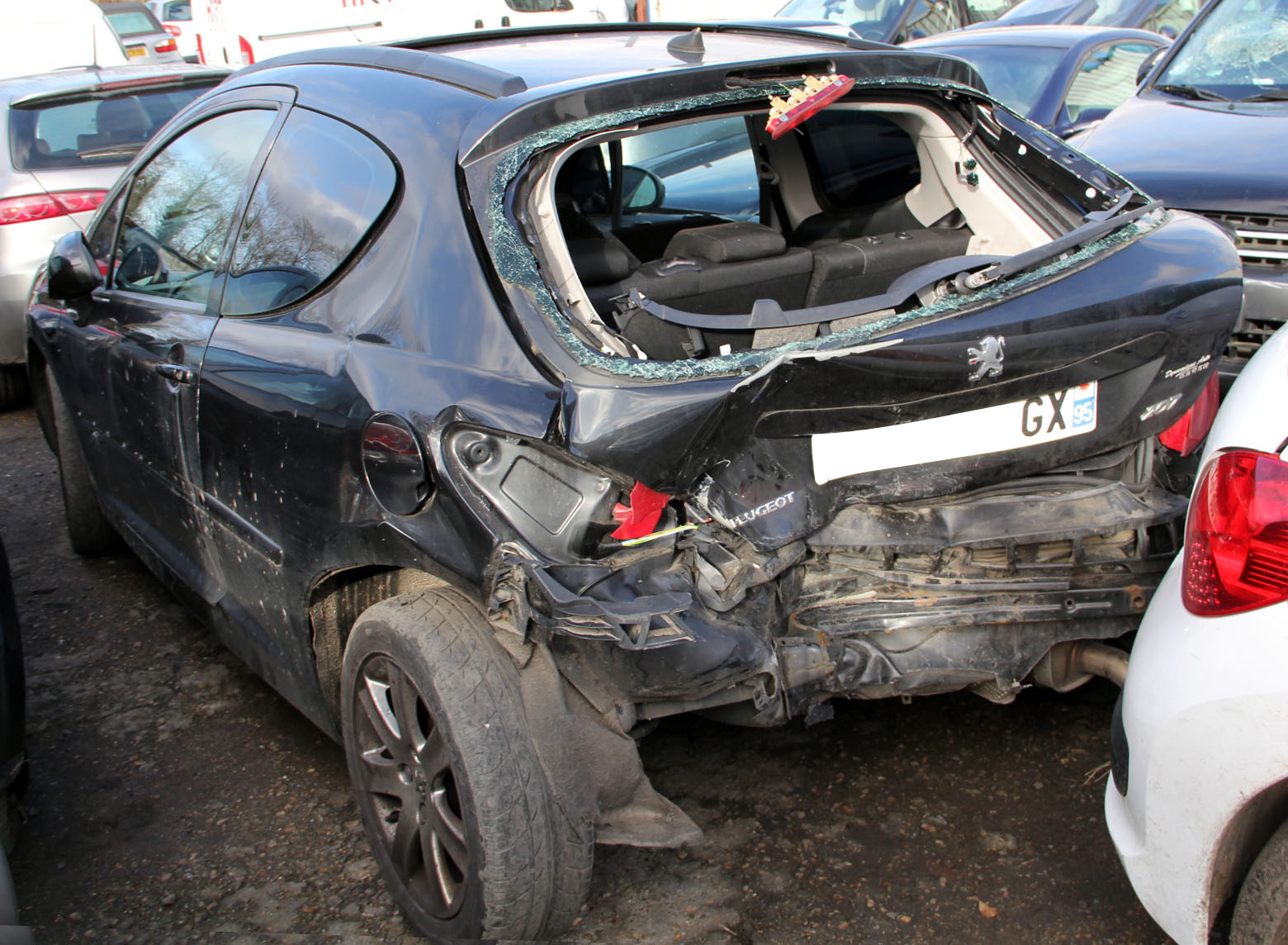 PEUGEOT 207 1.6 HDi SPORT accidentée